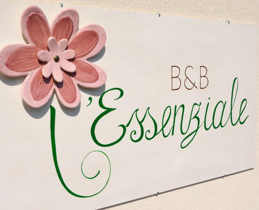 b&b essenziale como sign